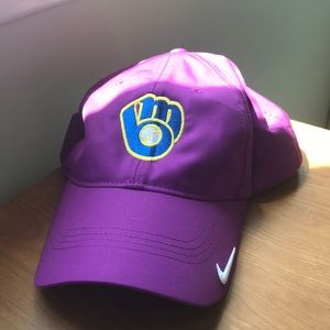 Nike Brewers Golf Hat